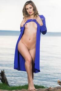 Model Edessa G in Goddess