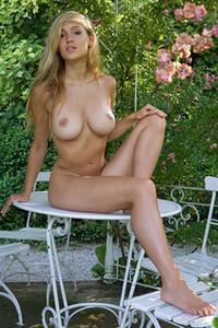 Model Corinna in Summer Love